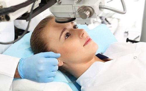 دکتر جراحی پلاستیک چشم در مشهد
