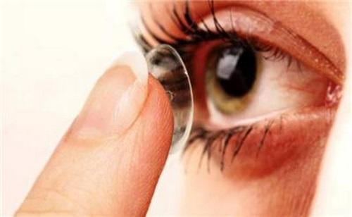ویژگی یک چشم پزشک خوب